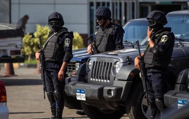 исламисты расстреляли полицейских