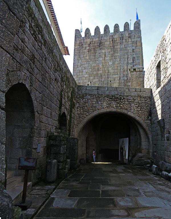 Замок Бельмонте